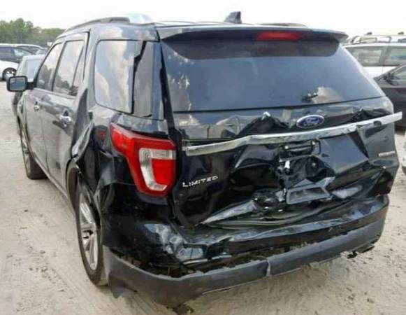Photo 2016 ford explorer limited 4x4 fully loaded salvage - $9,800 (dearborn heights)