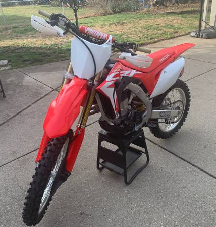 Photo 2017 Honda CRF 450 r - $5,975 (Dearborn)