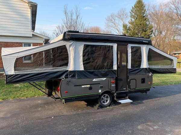 Photo 2019 Rockwood Freedom 2280 Pop-up Cer - $12,000 (Farmington)