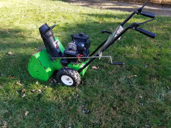 Photo 22 Inch Lawn Boy Two Stage Snow Blower - $325 (Lake Orion)