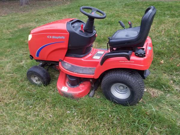 Photo 44 Inch Simplicity Regent Riding Lawn Mower - $1,200 (Lake Orion)