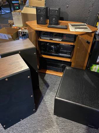 Photo 80-90s Vintage Stereo Home Theater Lot Pioneer Realistic Optimus Sharp - $1 (Macomb - Want gone today)