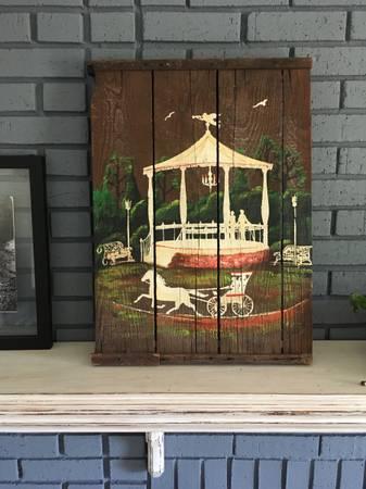 Photo Antique Wood Farm Crate Painting - $50 (Northville)