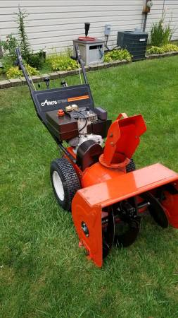 Photo Ariens ST824 TWO STAGE SNOW BLOWER - $450 (Romulus)