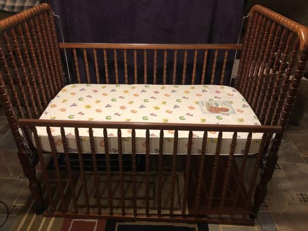 Photo Baby crib with mattress - $35 (Mt Clemens)