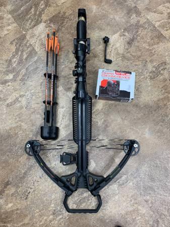Photo Barnett crossbow - $650 (Highland)