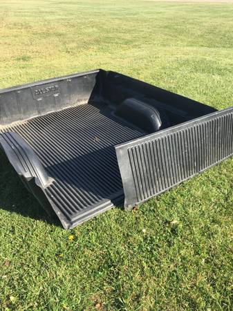 Photo Bed liner Chevy Gmc 1988-1998 - $95 (East China)