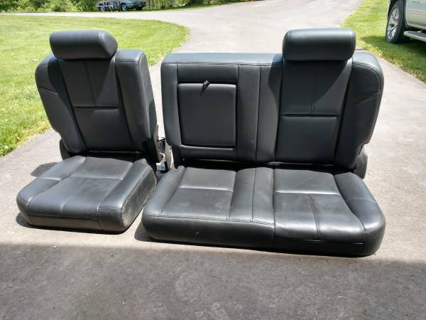 Photo Chevy, GMC, Silverado,Seira, Crew Cab Rear Leather Seats 2007-13 - $100 (Romeo)