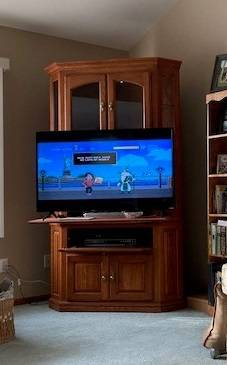 Photo Corner TV stand (Utica)