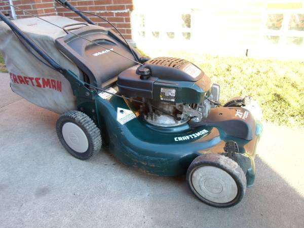 Photo Craftsman 21quot 6.75hp Hi-Tunnel Self-Propelled Lawn Mower - $130 (13  Harper)