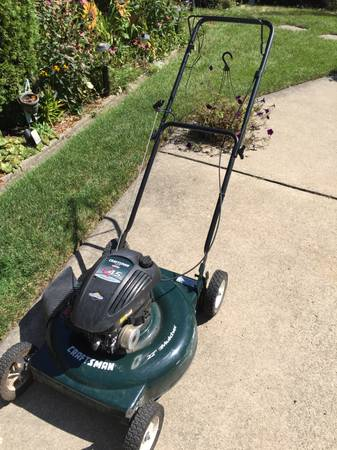 Photo Craftsman 4.5 hp Push Mower - $80 (Saint Clair Shores)