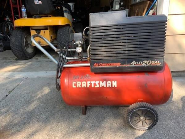 Photo Craftsman Air Compressor - $160 (Clay Township)