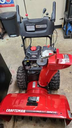 Photo Craftsman Sidewalk Plow Snow Blower - $800 (Roseville)