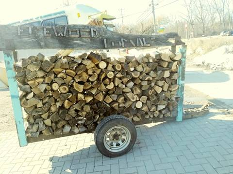 Photo FIREWOOD FOR SALE DELIVERY AVAILABLE TOO - $110 (Rochester Hills)