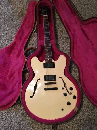 Photo Gibson ES 335 Showcase Edition Only 200 Made - $2,500 (Troy)