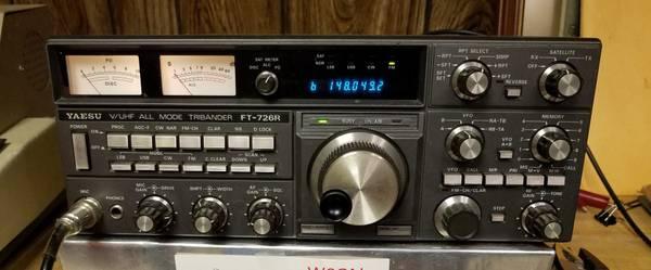 Photo Ham  Amateur Radio Yaesu FT-726R Transceiver - $1 (Westerville)