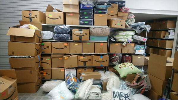 Photo LIQUIDATION WHOLESALE LOT OF BED  BATH TEXTILES INVENTORY - $3,000 (BUSINESS CLOSING)