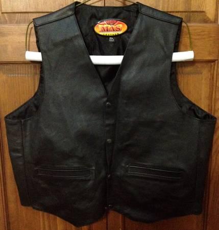 Photo MAS Leather Snap - up Vest, Black (XL) - $60 (Lake Orion)