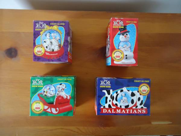 Photo MCDONALDS 101 DALMATIANS SNOW DOMES - $20 (Livonia)