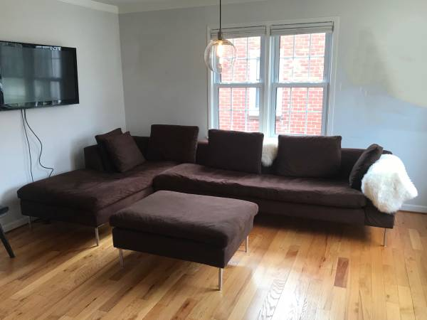 Photo Mid Century Style Custom Built BB Italia Brown Sectional Sofa Couch - $800 (West Dearborn)