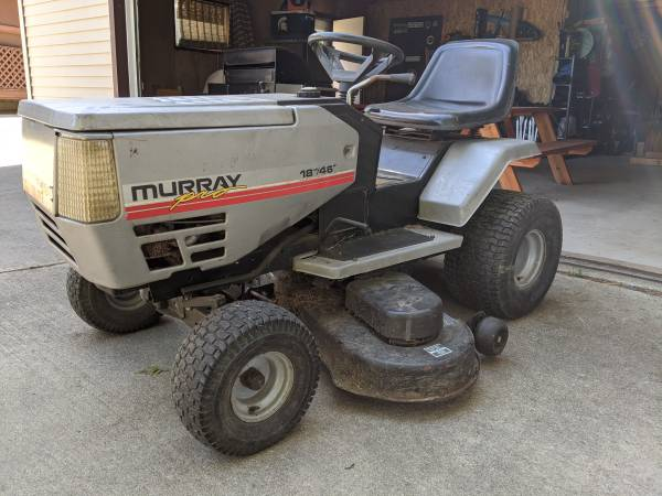 Photo Murray 46quot 18HP Briggs and Stratton Riding Mower - $275 (Harbor Beach or Shelby Township)