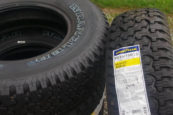 Photo NEW Goodyear Wrangler 23575R15 Tires set of 4 - $300 (Milford)