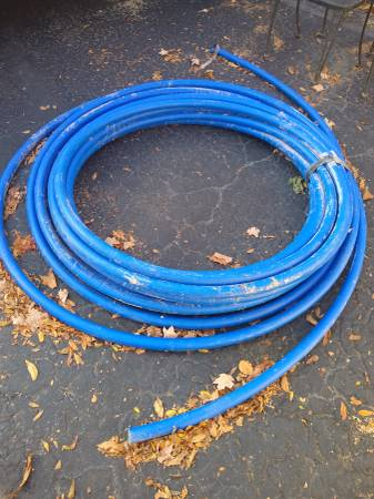 Photo Polytecheca blue ultra potable water line 1 12 inch 130ft - $50 (Farmington Hills)