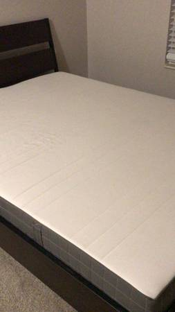 Photo Queen ikea bed with mattress - $150 (Dearborn)