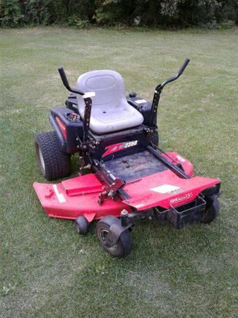 Photo Riding Lawn Mower Zero Turn - $2550