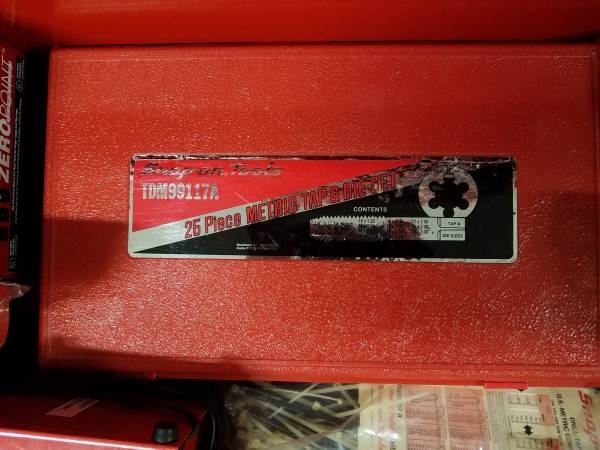 Photo Snap On 2 METRIC tap and die sets (Shelby Twp)