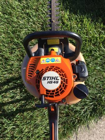 Photo Stihl HS 45 Commercial Gas Hedge Trimmer - $235 (Macomb Twp.)