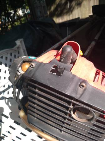 Photo String Trimmers Weed Wacker Homelite - $30 (Clawson)