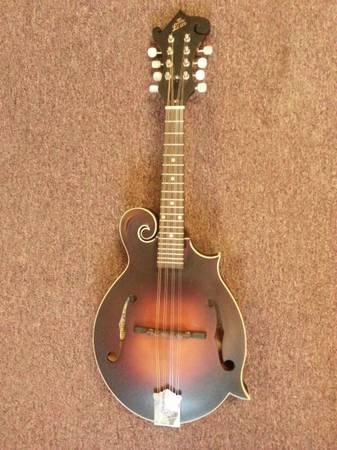 Photo The Loar Mandolin - $175 (Flat Rock)