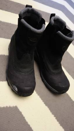 Photo The North Face Men39s Size 9 Snow boot - $55 (Like New)