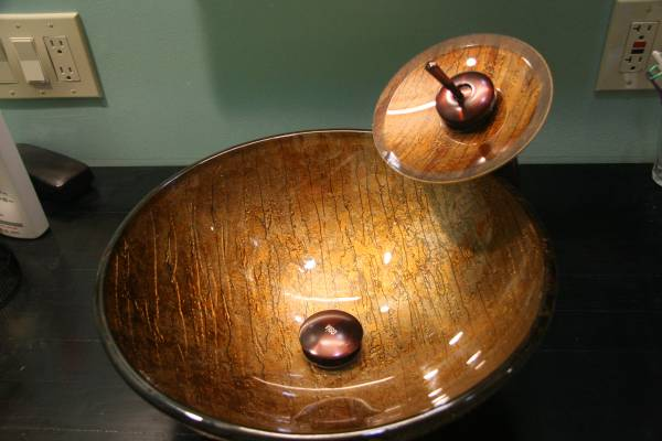 Photo VIGO 16-12quotW Russet Round Glass Vessel Sink with Waterfall Oil-Rubbed - $200 (Shelby Twp)