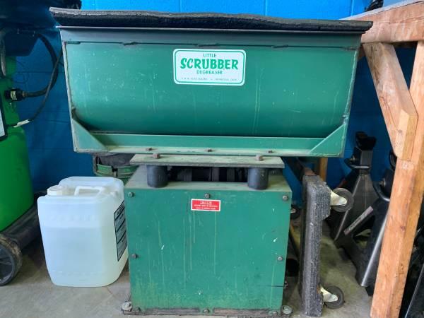 Photo Vibratory parts tumbler cleaner - $1,950 (Grosse Ile)