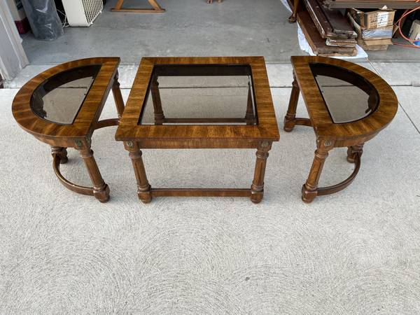 Photo Vintage 3-Piece COFFEE TABLE - Wood Cocktail Table w Glass Top - $100 (Livonia)