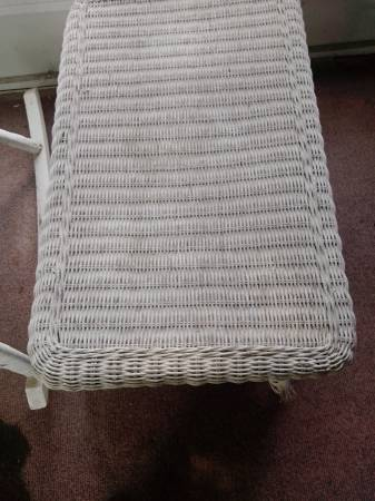 Photo White Wicker Table - $15 (Taylor)