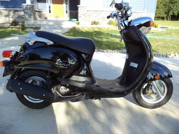Photo Yamaha VINO 125 MopedScooter Low Miles 125cc - $1,795 (Battle Creek)