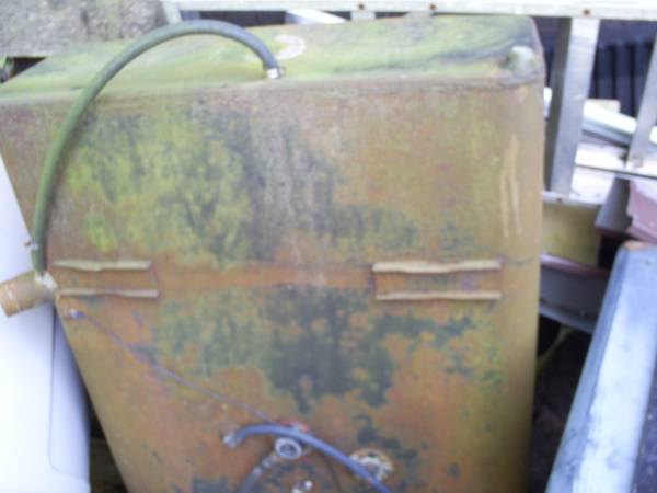 Photo gas tank 40 - 50 gallon - $100 (howell)