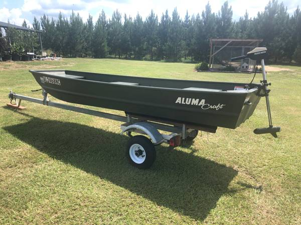 Photo 12ft 2016 Alumacraft Jon Boat with 2017 trailer - $1,150 (Headland)