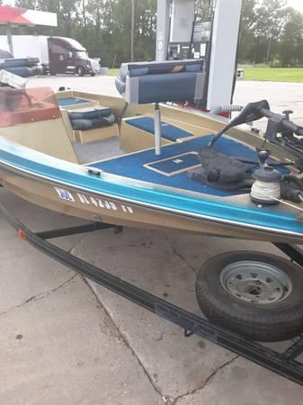 Photo 1989 Bass boat - $2,900 (Eufaula)