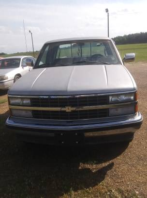 Photo 1991 CHEVROLET GMT-400 (CHADS USED CARS) - $2500 (Hartford)