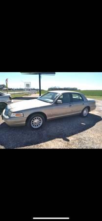 Photo 1999 Ford Crown Victoria LX (CHADS USED CARS) - $3,500 (Hartford AL)