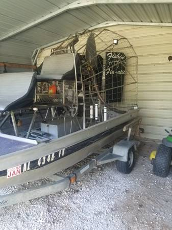 Photo 2003 diamond back air boat - $19500 (Dothan)