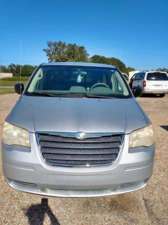 Photo 2008 CHRYSLER TOWN  COUNTRY (CHADS USED CARS) - $3,500 (Hartford)
