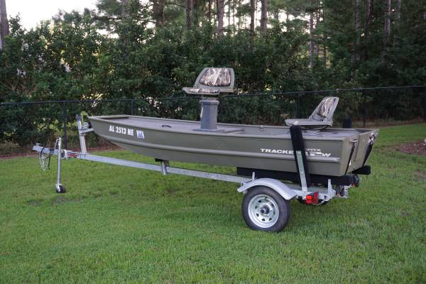 Photo 2020 Tracker Jon Boat with trailer - $2,850 (Enterprise)