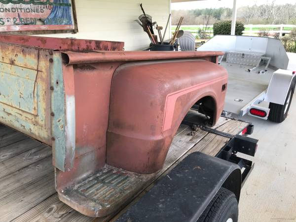 Photo Chevy stepside bed - $900