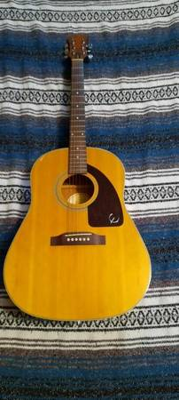 Photo Epiphone AJ-15 Guitar for sale - $100 (Panama City Beach Florida)
