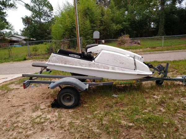 Photo Jet ski and trailer - $1,000